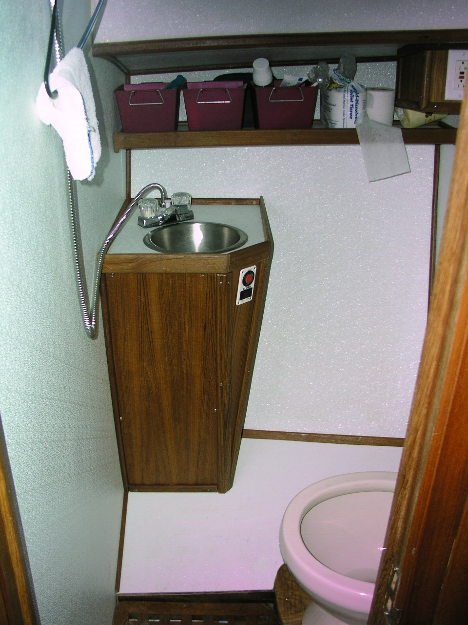 Pedestal+Sink+Storage+Shelf Pedestal Sink Storage Shelf http://www ...